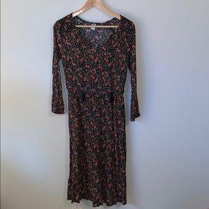 🌸2/$30🌸Floral Midi Crinkle Fabric Dress